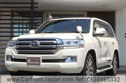 toyota-land-cruiser-2019-80704-car_051009cd-56df-41f3-af4f-e31afb2055d5