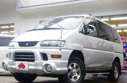 Mitsubishi Delica Spacegear 2002