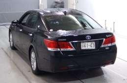 Toyota Crown Hybrid 2016