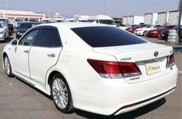 Toyota Crown Hybrid 2013
