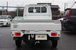 Nissan NT100