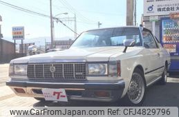 toyota-crown-1981-12490-car_583a787b-bb3f-4825-953c-02ecaf017bbb