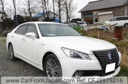 toyota-crown-2013-11770-car_5b443c82-cbfd-4756-8937-550b8aa8b90b