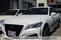 toyota-crown-2018-37140-car_613809fb-6af3-4a92-9c30-dac62cccf2f9