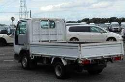 Nissan Atlas 2003