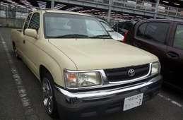Toyota Hilux Sports Pickup 2001