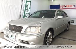 toyota-crown-2003-5652-car_6ceae062-a2f7-4141-9f2a-15fd87381326
