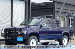 toyota-hilux-sports-pick-up-2000-21586-car_7db782ea-308a-4386-b4b3-a5e8ab491bff