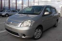 Toyota Raum 2006
