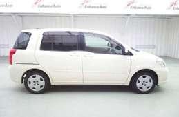 Toyota Raum 2003