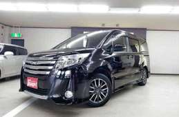 Toyota Noah 2015
