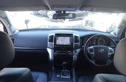 Toyota Land Cruiser Wagon 2013
