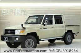 Toyota Land Cruiser 70 2015