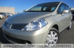 Nissan Tiida Latio 2005