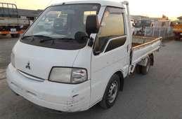Mitsubishi Delica Truck 2002