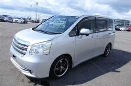 Toyota Noah 2007