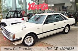 nissan-laurel-1982-8276-car_a2282f07-35c2-422b-9375-b00aa2d88647