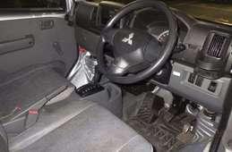 Mitsubishi Minicab Van 2011