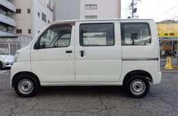 Daihatsu Hijet Cargo 2011