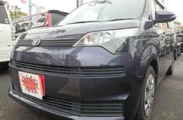 Toyota Spade 2012
