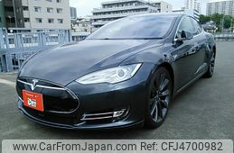 tesla-motors-tesla-others-2015-52670-car_c8db58d8-eb12-4c92-903c-ecf692866a12