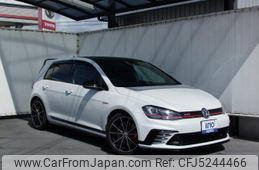 volkswagen-golf-gti-2016-32581-car_d44d3704-e44b-46d0-8b36-f971c9d9feb1