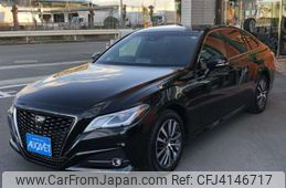 toyota-crown-2018-38665-car_e988ea30-cd32-4716-b95c-96f56ee261bc