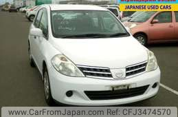 Nissan Tiida Latio 2012