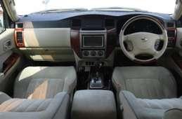 Nissan Safari 2004