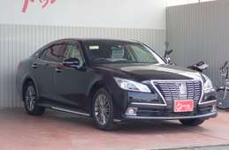 Toyota Crown 2014