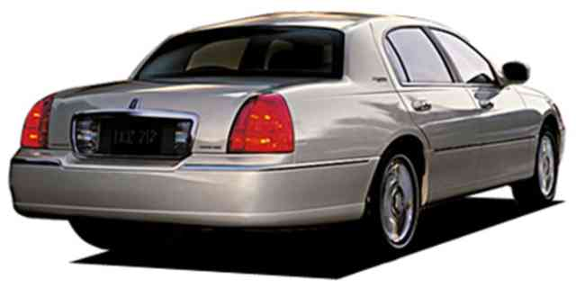 Lincoln Town Car Lincoln Lincoln Towncar Signature Limited 2007
