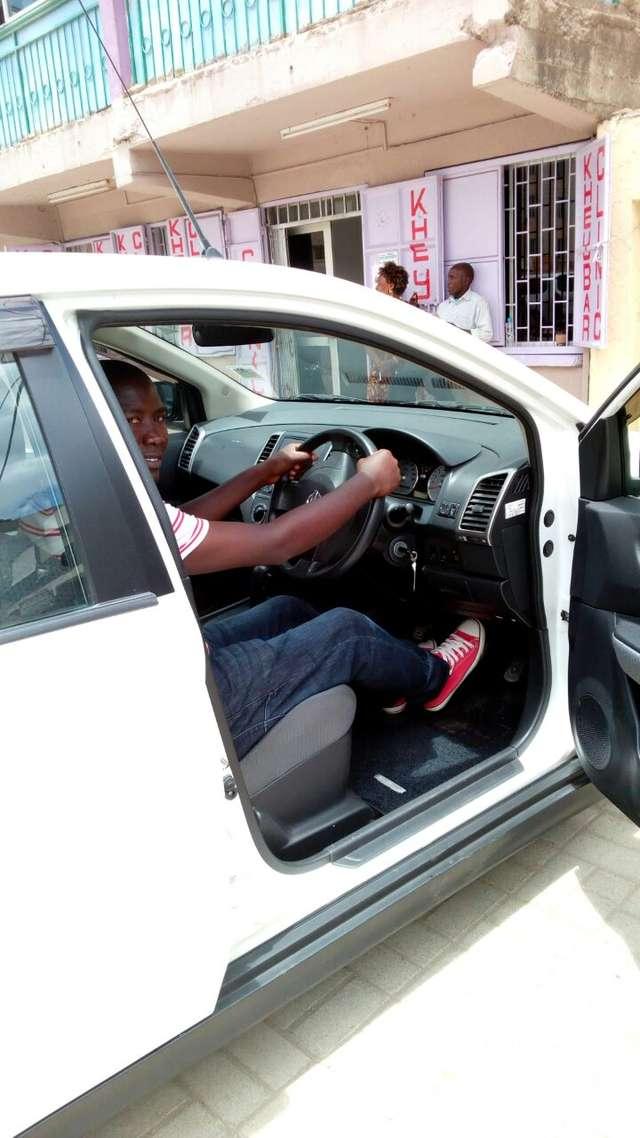 Nissan Wingroad 2010