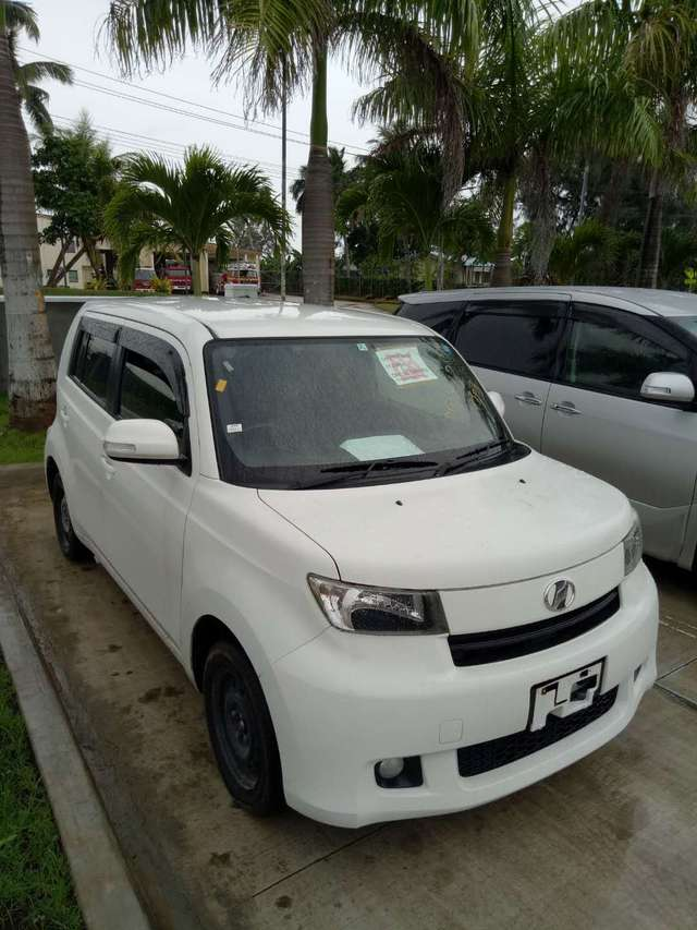 Toyota bB 2012