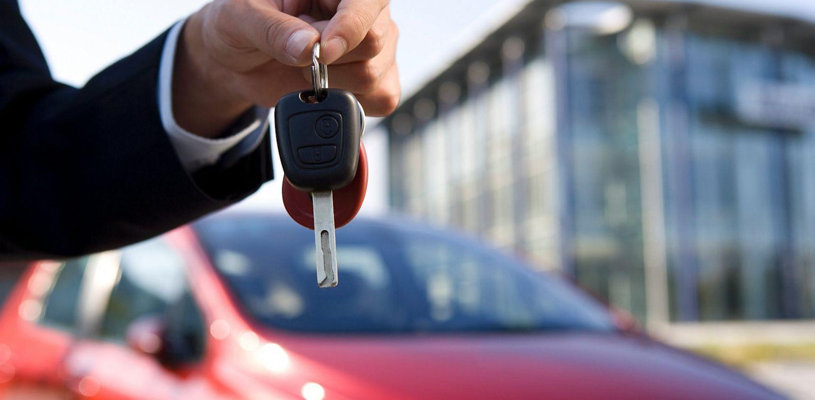 buying a used car Tips on buying a used car – your questions answered all you need to know about buying a second-hand car from dealers and private sellers, what to look for on a test drive, and doing the deal advice 1 week ago when is the best time of year to buy a car.