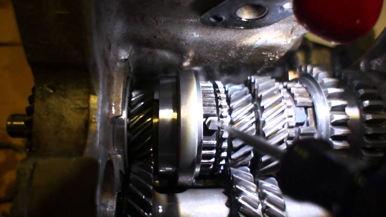 Oil leakage is one of the most common manual transmission problems
