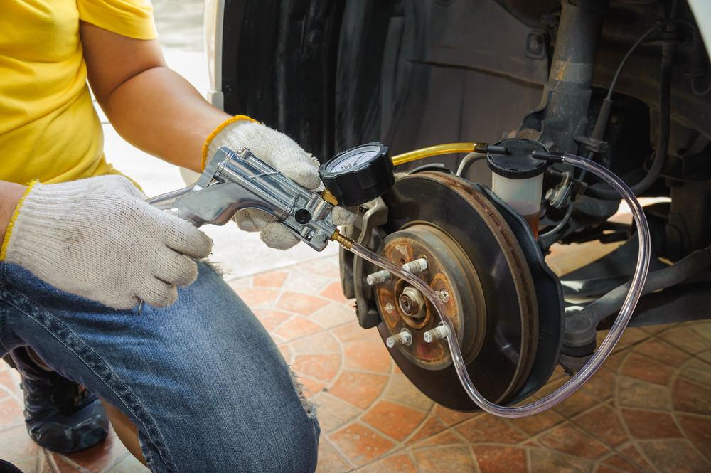 How To Bleed Brakes For Cars: A Step-by-Step Procedure | CAR
