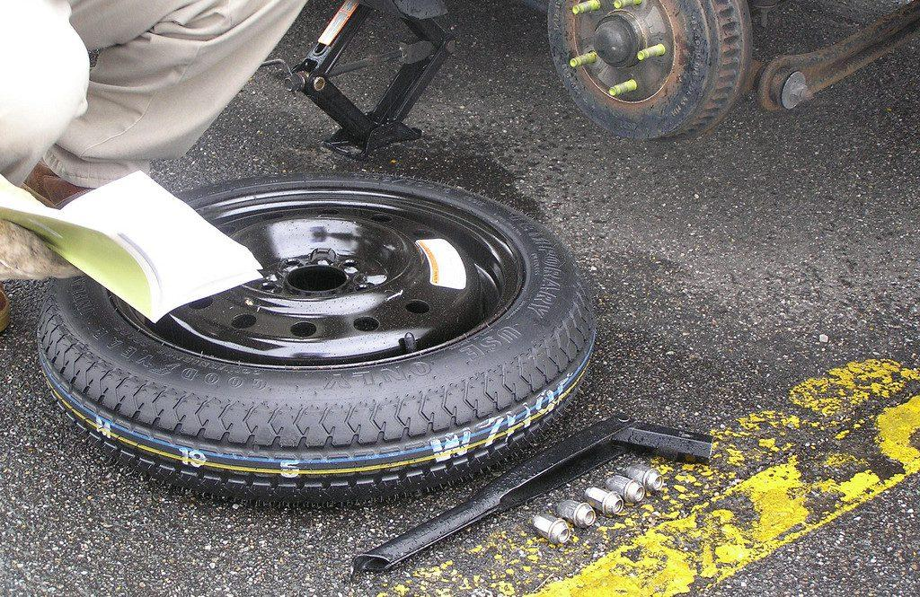 how to change a flat tire on a car