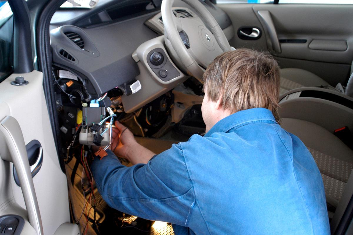 Detecting 6 Common Automatic Transmission Problems | CAR