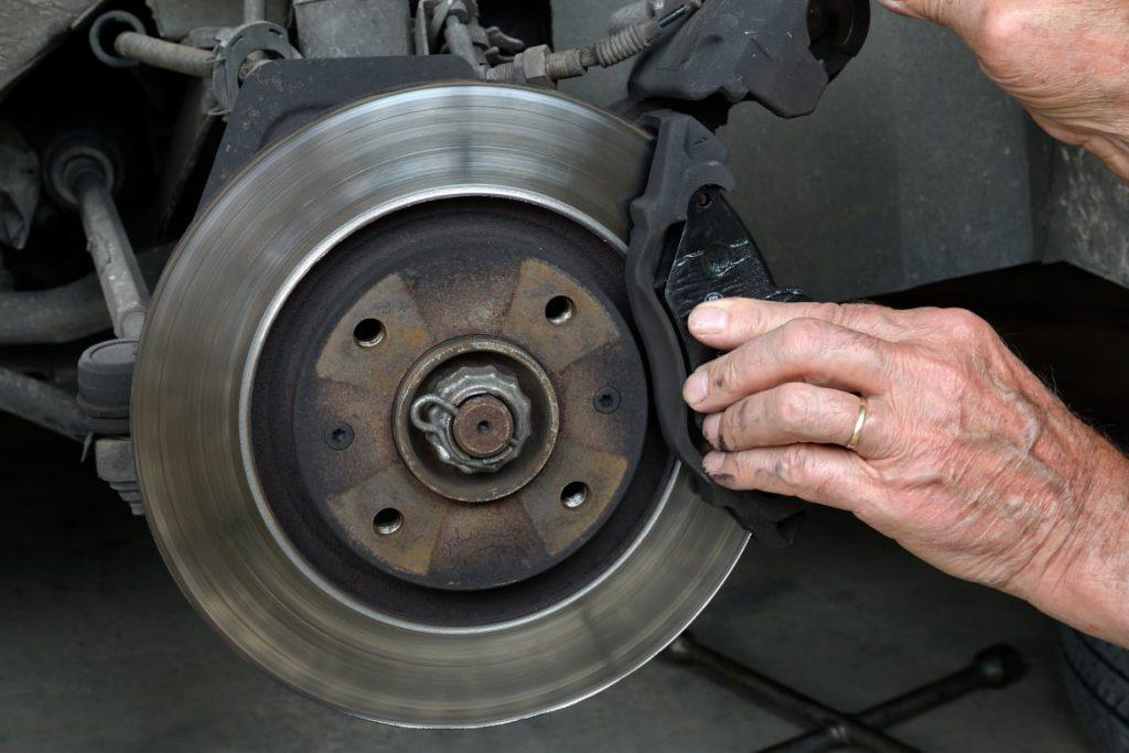 top 5 warning signs of unsafe brakes every driver should know. Black Bedroom Furniture Sets. Home Design Ideas