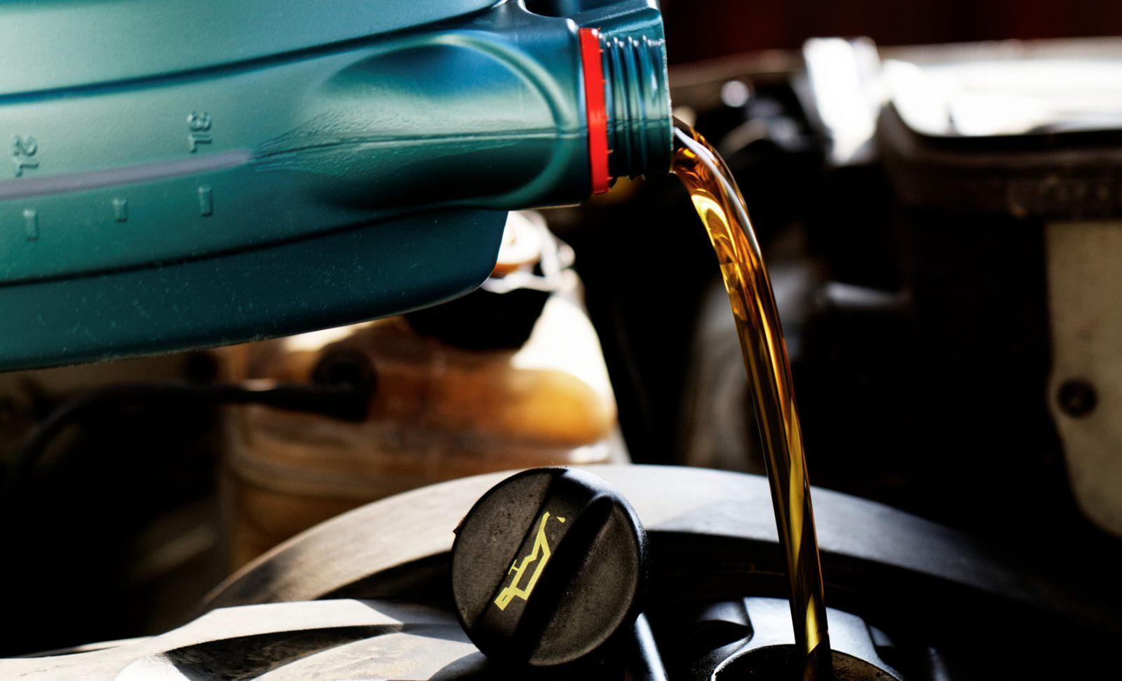 5 Reasons Mercedes-Benz Oil Changes are So Expensive | CAR