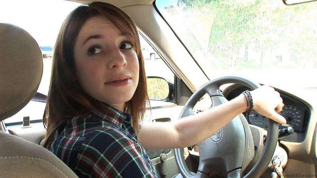 Effective ways to Drive a Car in Reverse Gear