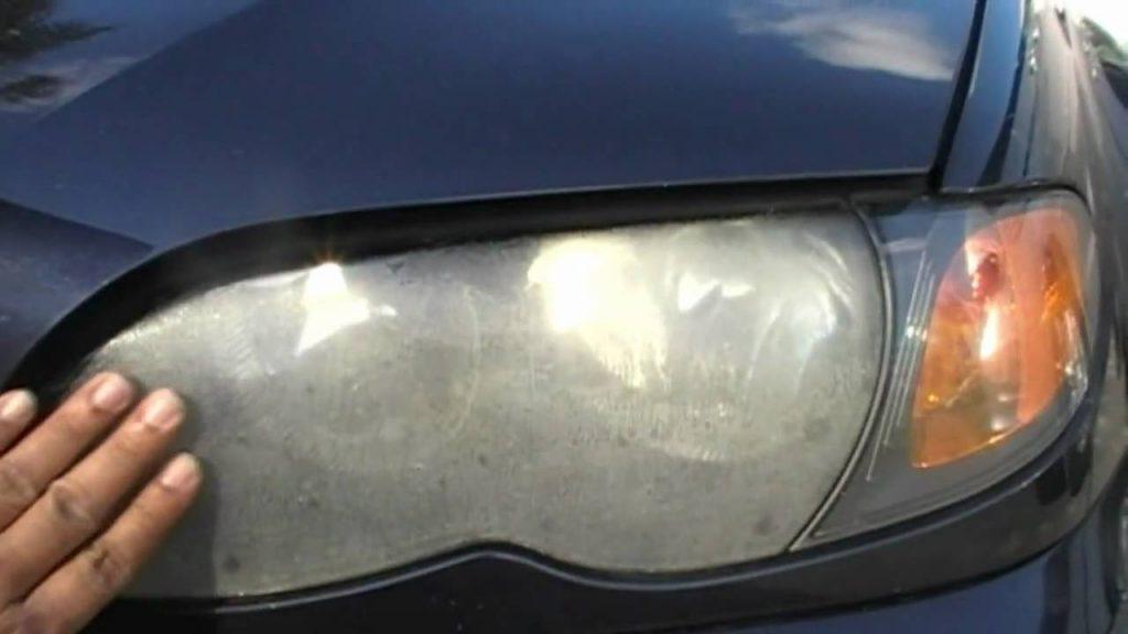 2007 toyota yaris headlight bulb