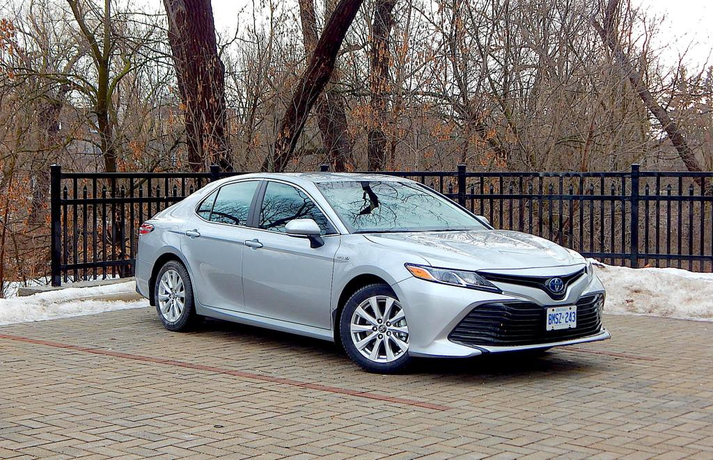 8 best gas mileage cars in today s market car from japan. Black Bedroom Furniture Sets. Home Design Ideas