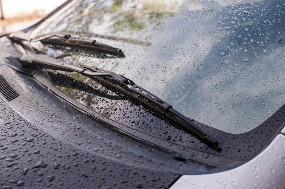 How to Stop Windshield Wipers from Squeaking? 5 Ways to Try