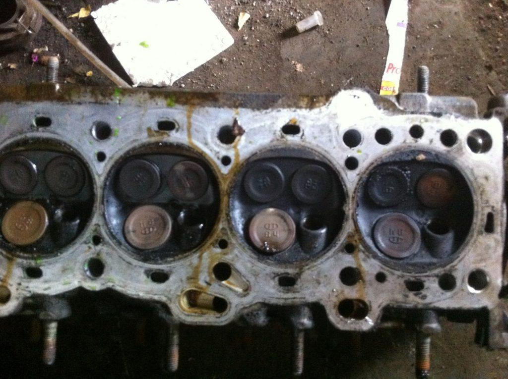 What Are The Symptoms Of A Burned Exhaust Valve? Explained