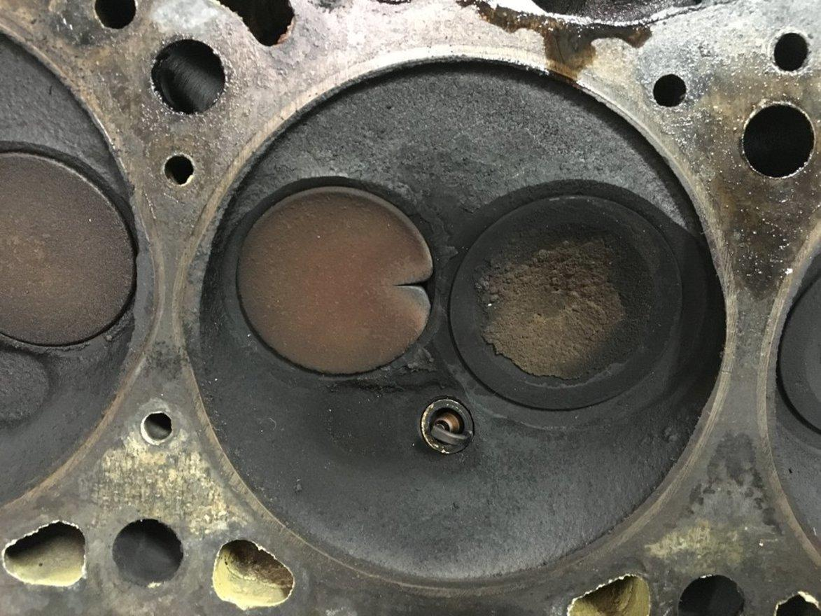 What Are The Symptoms Of A Burned Exhaust Valve Explained