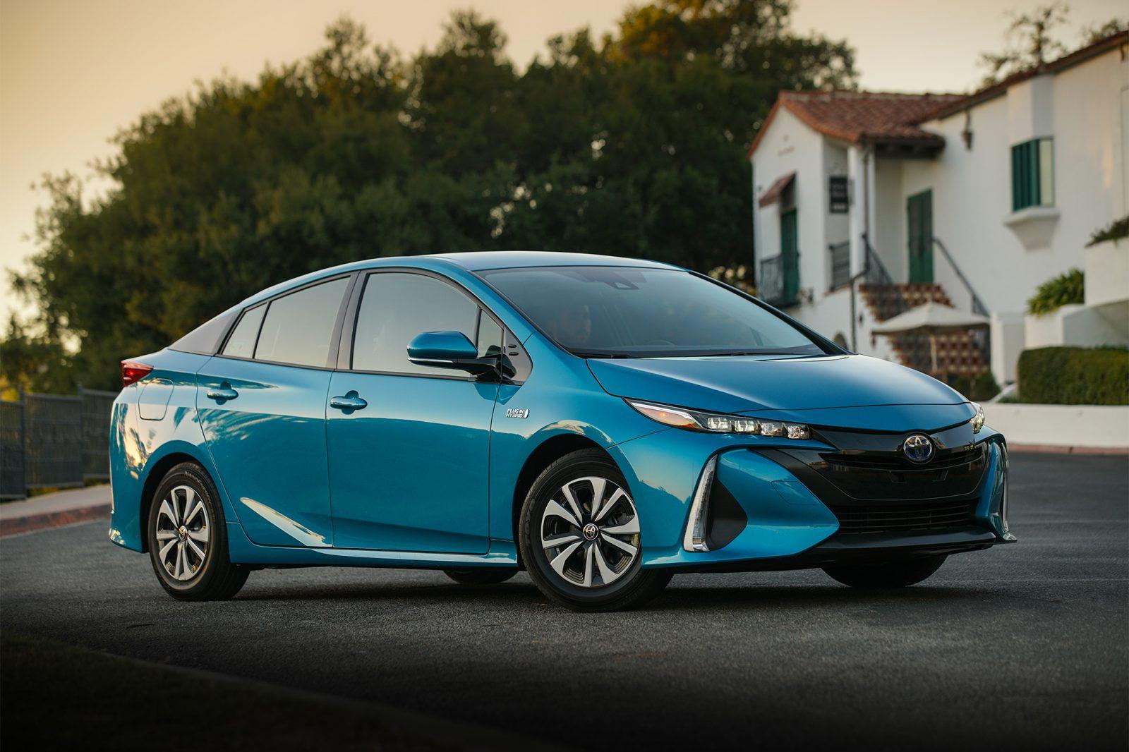 Take Your Pick The Difference Between Prius Models Car From Japan