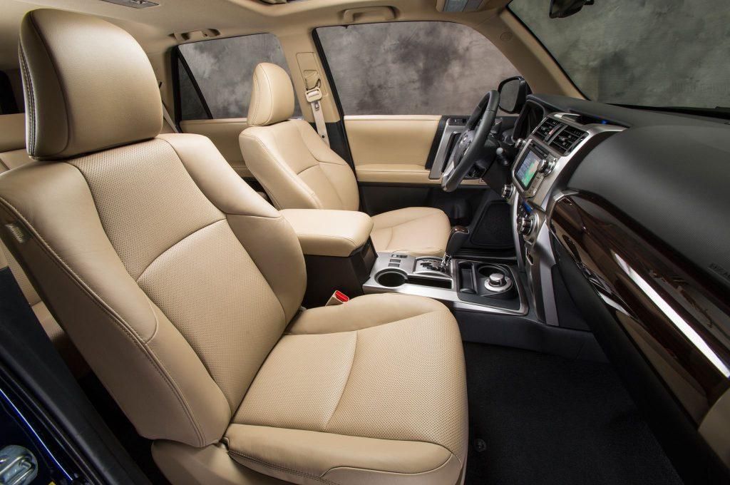 Toyota Highlander Seating >> Cracking The Toyota Highlander Vs 4runner Comparison - CAR FROM JAPAN