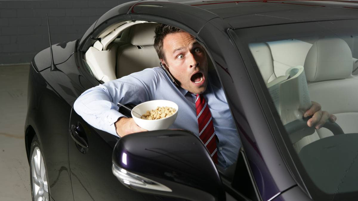 Mdx Vs Pilot >> Why Eating While Driving is DANGEROUS for you? - CAR FROM ...