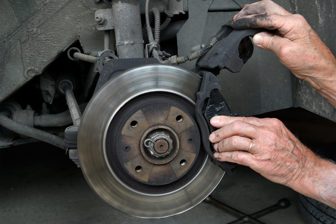Brake Pad Thickness What Is The Minimum Depth Car From
